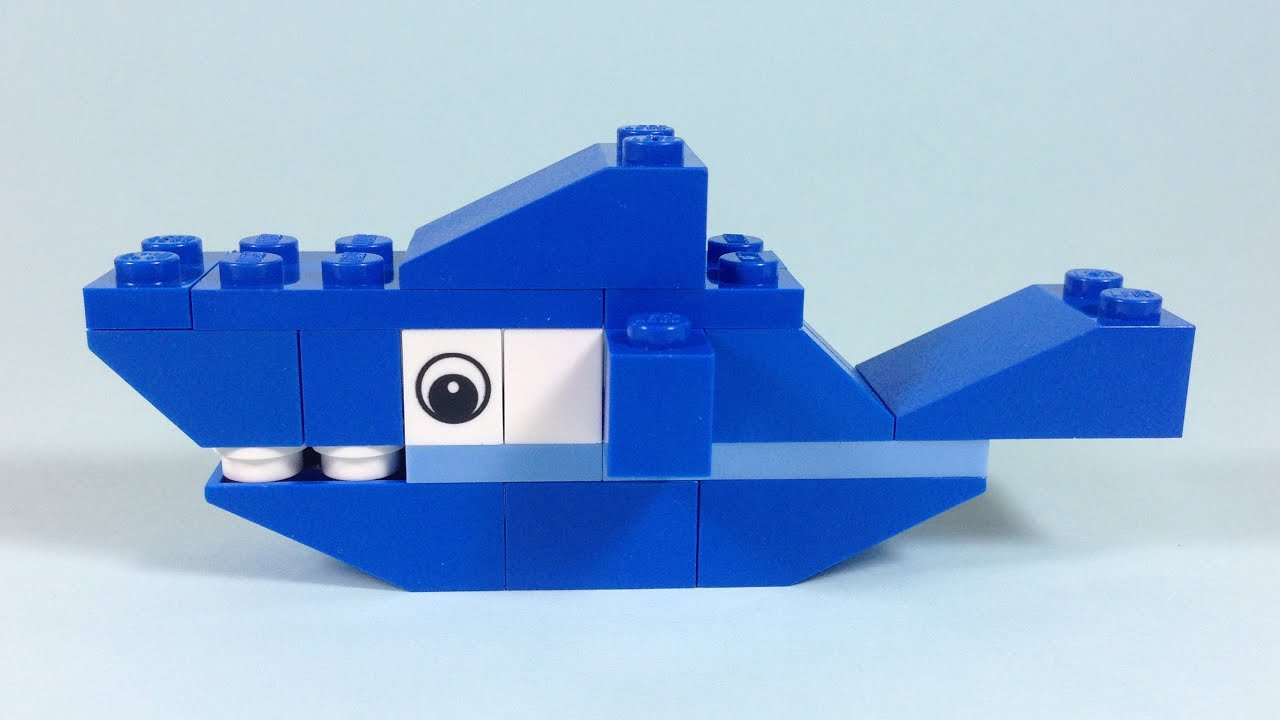 How to build lego shark 4628 lego fun with bricks for Cool things made out of horseshoes