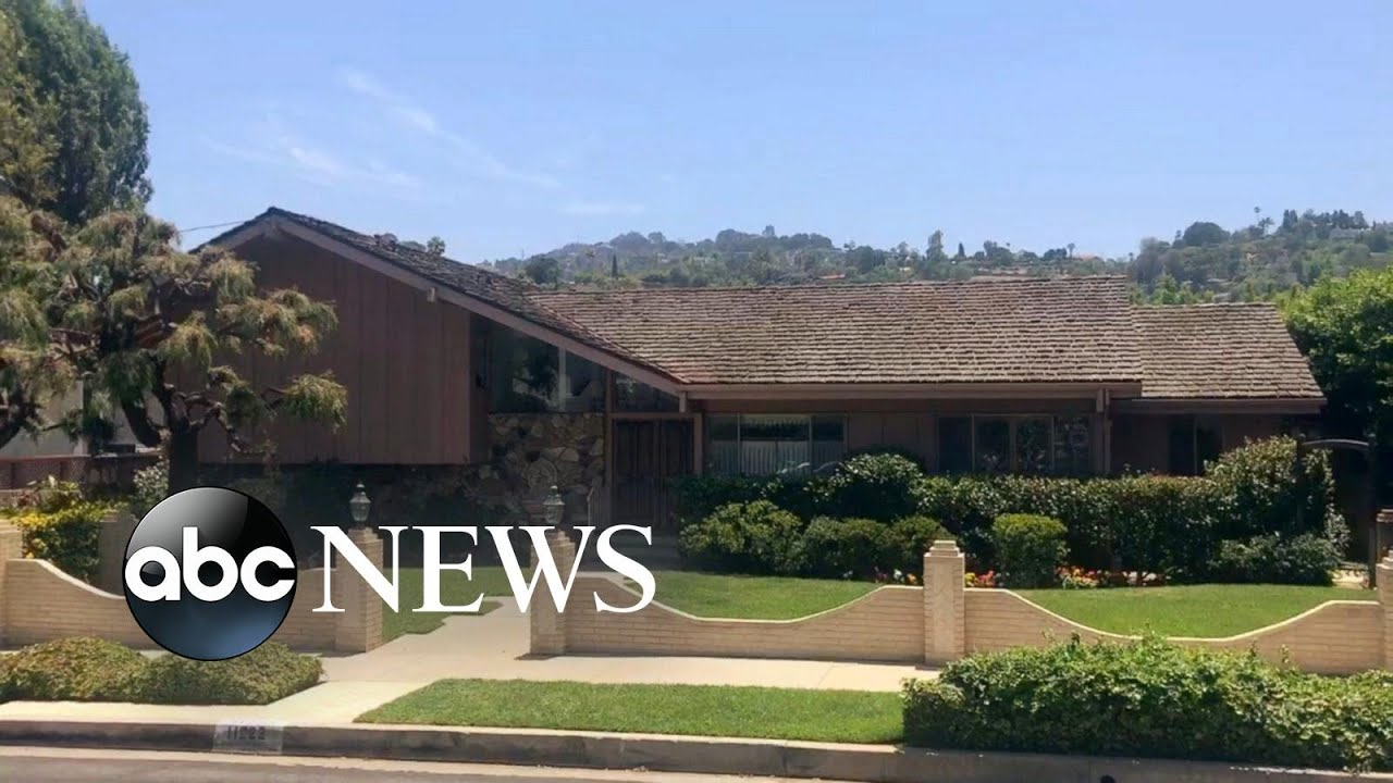 The brady bunch house up for sale after 50 years