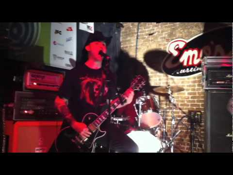 KEN MODE Extend Common Courtesy... live @ SXSW 2011 on Metal Injection