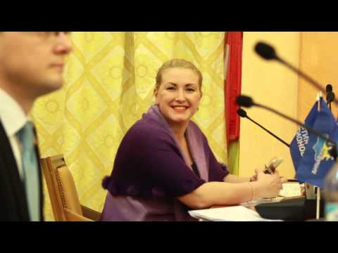 Соратница Труханова показывает \