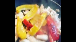 Куриное филе с болгарским перцем в сливках
