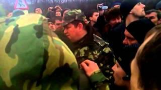 Часть 17   В городе Ровеньки, Луганской обл  было задержано 3 Камаза с военными и оружием  13 04 201(, 2014-04-13T20:26:56.000Z)