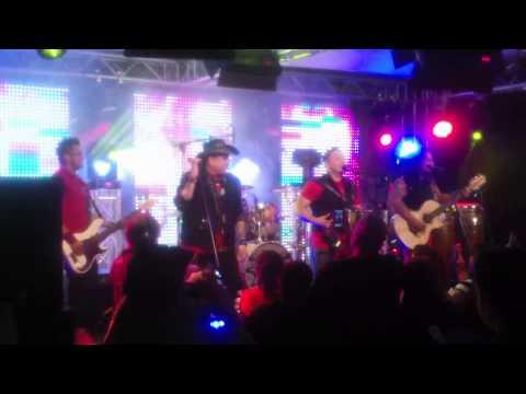 Grupo Siggno - Que Harias (El Show de Johnny y Nora Canales Behind the Scenes)