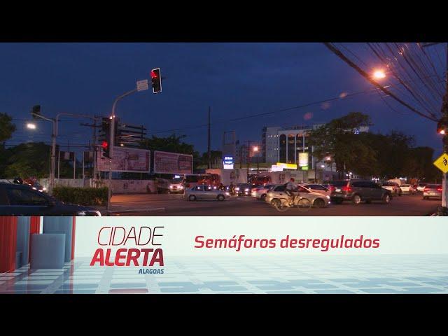 Semáforos desregulados causaram congestionamento na Fernandes Lima hoje