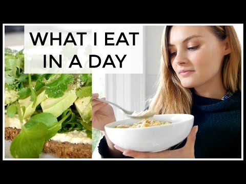 21. What I Eat In A Day  Niomi Smart