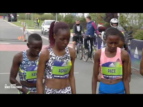 W 10km Road Race - Agnes Tirop (Kenya) - 30:01 - Herzogenaurach (Germany) - 2021 - World Record