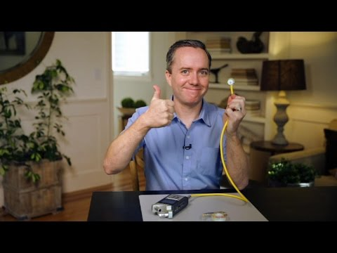 CNET How To - Make your own microphone