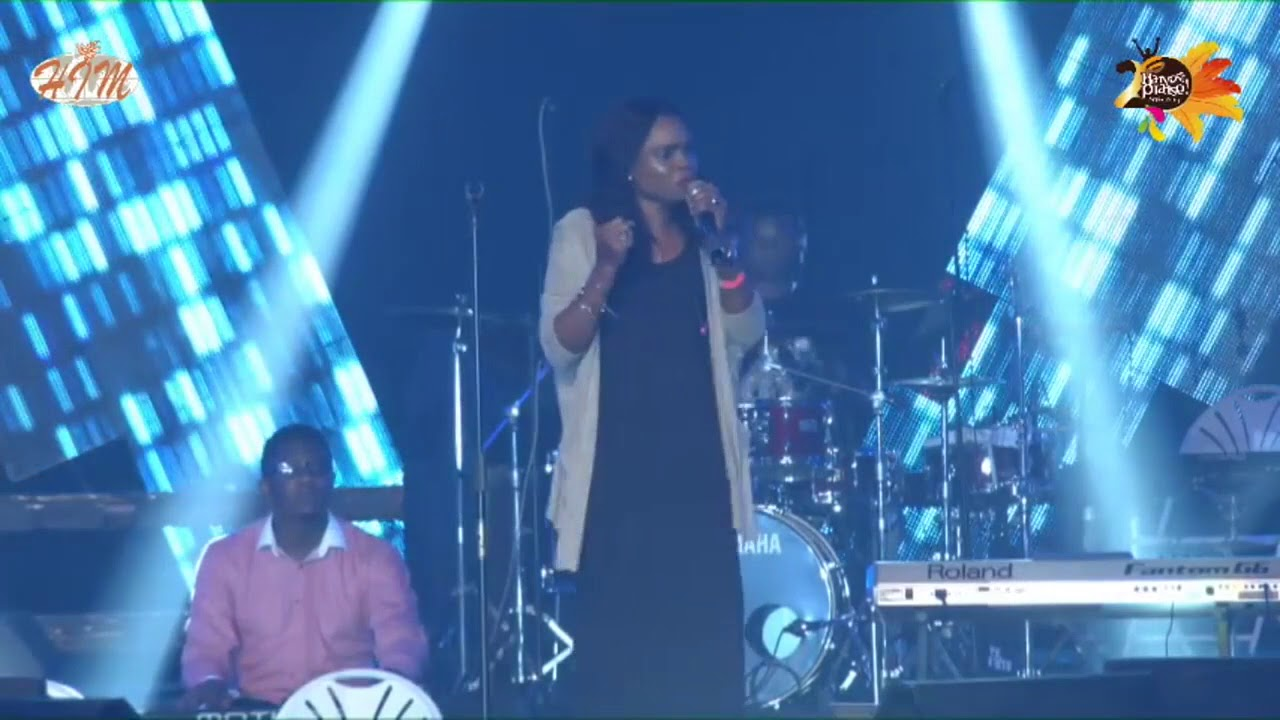 Victoria Orenze  at harvest praise accra.