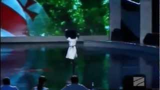 Грузинка танцует бешеную Лезгинку - Georgian girl dancing Lesginka