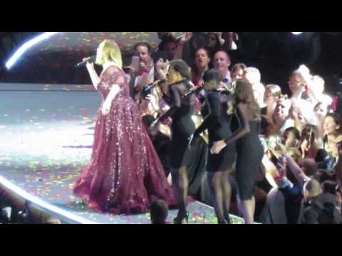 Adele (partial) Rolling in the deep - Sydney ANZ Stadium 11/03/17