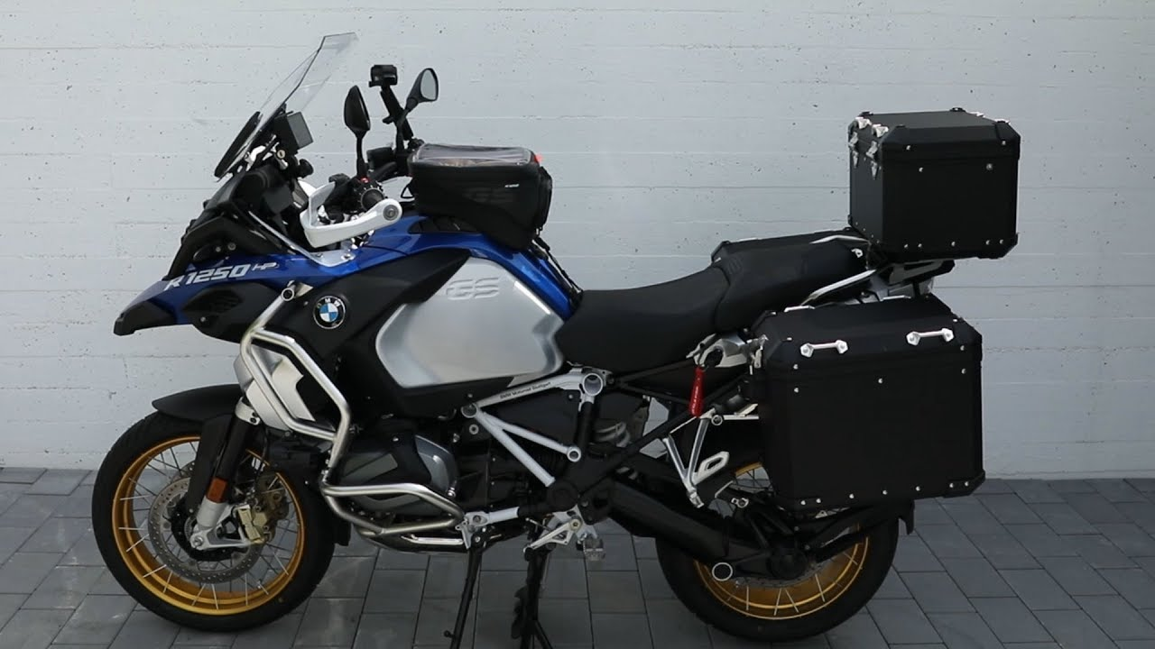 2019 bmw r 1250 gs adventure tank bag installation youtube. Black Bedroom Furniture Sets. Home Design Ideas