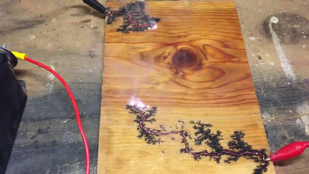 Electro-fractal wood burning