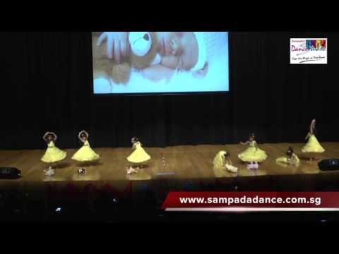 Kids Dance Performance - Itti Si Hansi...
