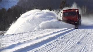 видео Очистка дорог от снега и наледи. Вывоз снега в Перми