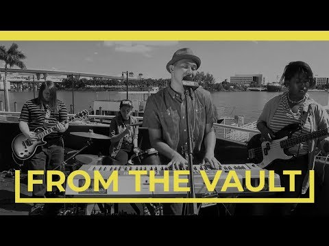 ABOVE THE SKYLINE - NO VOICE TO YELL (BalconyTV)