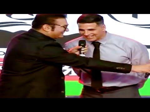 Akshay Kumar And Abhijeet Bhattacharya Singing Together First Time Ever On Stage.