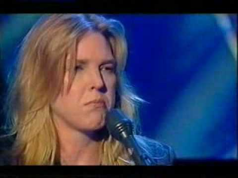 "Diana Krall ""The World Is Not Enough"""