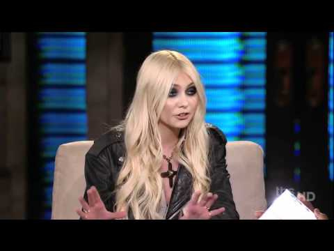 Taylor Momsen Interview & Pretty Reckless Performance on Lopez Tonight
