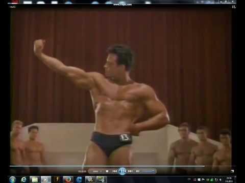 Steve Reeves posing in a great shape
