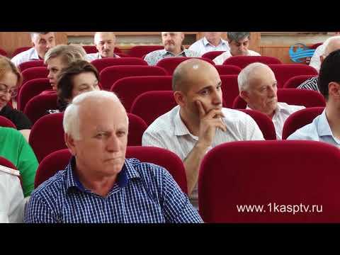 Два случая самоубийства в Каспийске и наболевшие вопросы с вводом в эксплуатацию новых общеобразовательных учреждений обсудили на аппаратном совещании в администрации города