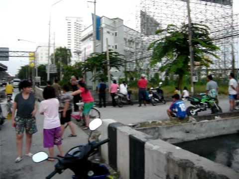 Flood in Bangkok on Vibhavadi Rangsit Road