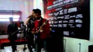 Family Of Bloody   Lagu untuk kawan, live in @Gedung KPRI   Labuan