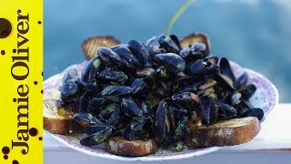 Steamed Mussels With Smoky Bacon & Cider