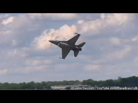 2017 New York Airshow - F-16 Demo & USAF Heritage Flight (F-35 & P-51D)