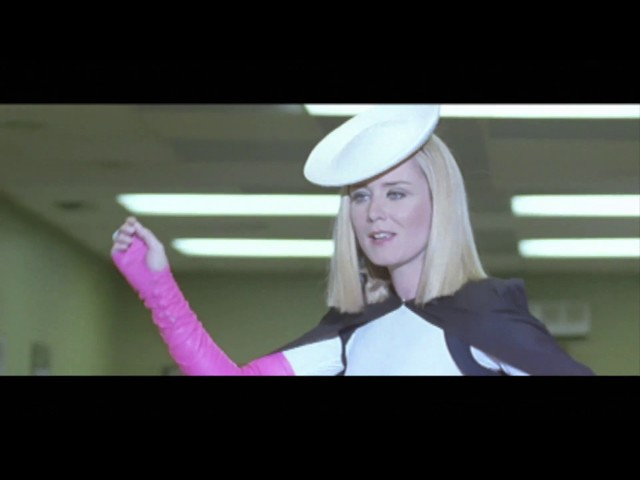 Róisín Murphy - Let Me Know (Official Video)