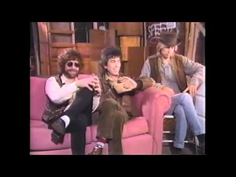 Travelling Wilburys Interviews MTV (Death of Roy Orbison) 01/1989