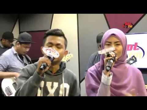 Tajul & Wany Hasrita - Seluruh Cinta (Cover) @HOTFM Live Jamming