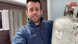 How to build a foundry out of a propane tank in under 5 minutes: back yard Foundry