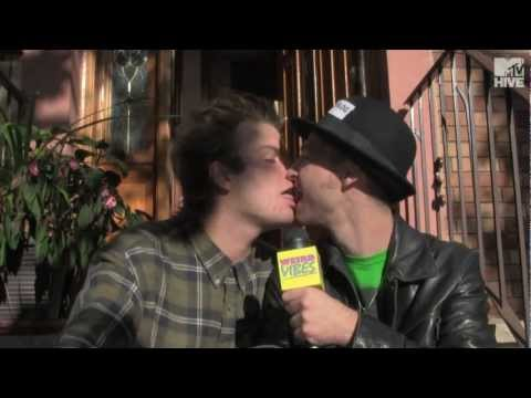 Mac Demarco Kisses World's #1 Blogger / interview | Weird Vibes Ep13