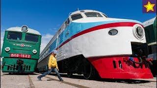 Дети и Огромные поезда, паровозы Изучаем железнодорожный транспорт ЧАСТЬ 2 Trains for kids