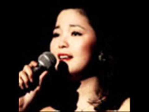 Teresa Teng ~~ Smoke Gets In Your Eyes