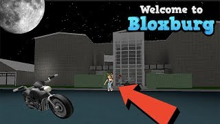 MY NEW BLOXBURG HOUSE! BUILDING A NEW HOUSE | ROBLOX | FAMBAM GAMING