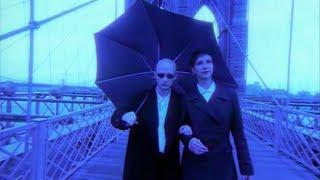 Смотреть клип Moby - Into The Blue