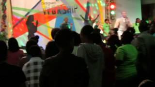 Erik Jacobino @Youth Connection 2013 - Designed to Worship Iglesia Resurekshon i Bida