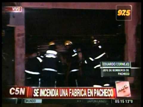 C5N - SOCIEDAD: INCENDIO EN UNA FABRICA DE PACHECO (PARTE 1)