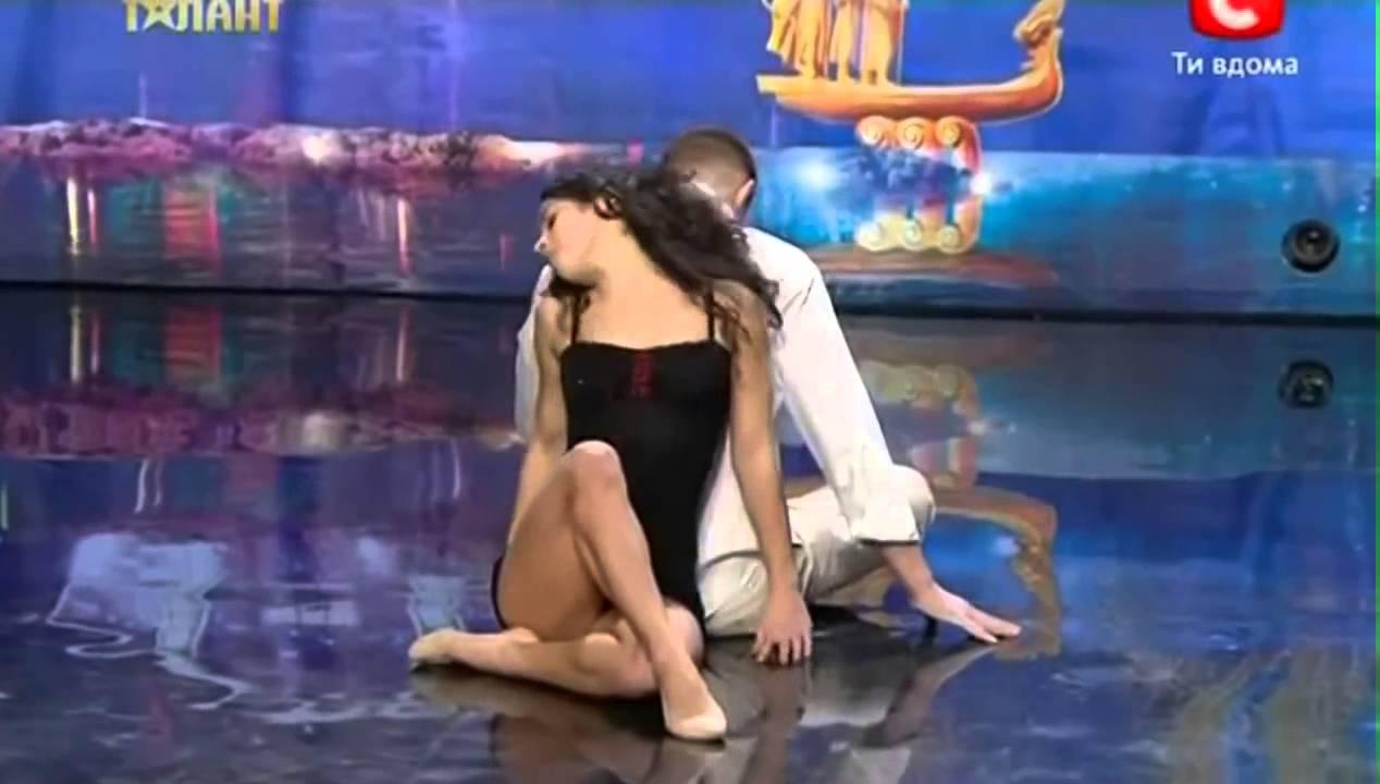 EL BAILE MAS IMPRESIONANTE DEL MUNDO Duo Flame رقصة رائعة مواهب أوكرانيا.wmv  - YouTube