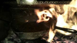 Cleaning cast iron...with FIRE!
