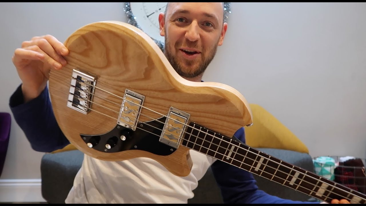 Short Neck Bass : the coolest short scale bass ever and it can be yours youtube ~ Hamham.info Haus und Dekorationen