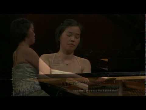 Andrea Lam, piano - Aufschwung from Fantasiestücke, Schumann - Part 2 of 8