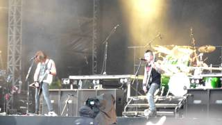 Bullet For My Valentine - 4 Words (To Choke Upon), live @ Download Festival 2011