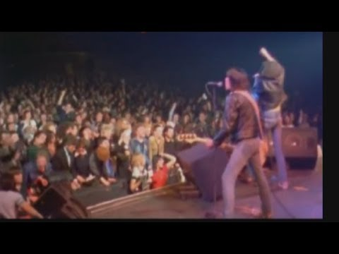 RIP Tommy Ramone - end of an era as last member of Ramones dies | Channel 4 News