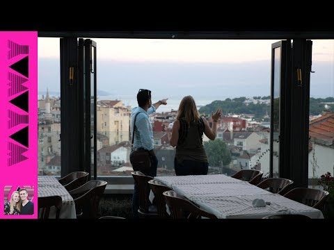WOW! Best Roof Top View in Istanbul! (Couchsurfing meetup) 🇹🇷