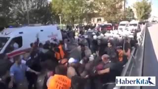 Ankara'da Ambulans için yol açan Polise Linç Girişimi