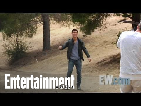 Twilight: 'New Moon' - Taylor Lautner talks about his similarities to Jacob | Entertainment Weekly