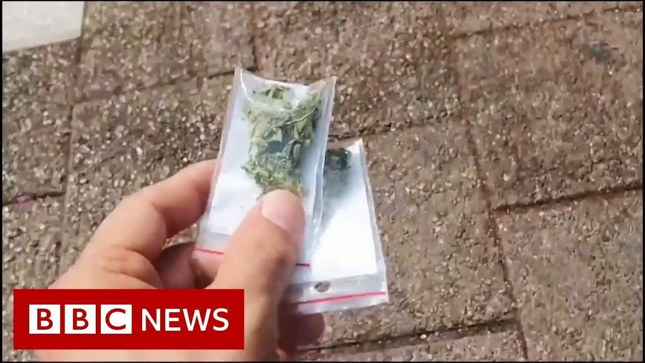 Tel Aviv: Drone filmed dropping suspected cannabis over city - BBC News