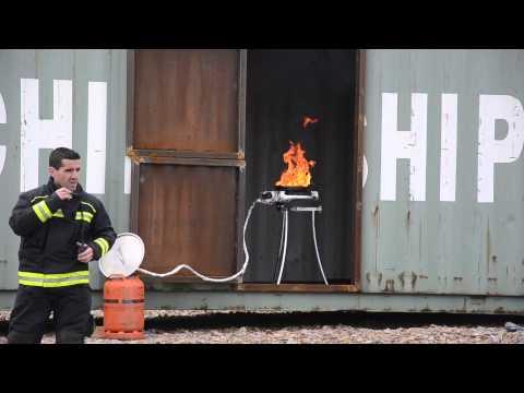 Los Bomberos de Santander enseñan sus instalaciones